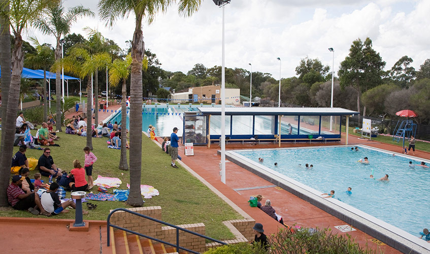 Outdoor program pool & surrounds