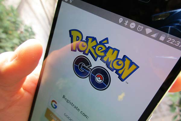 Pokémon GO by Eduardo Woo, on Flickr, www.flickr.com/photos/edowoo/27541305793 CC-BY-SA 2.0